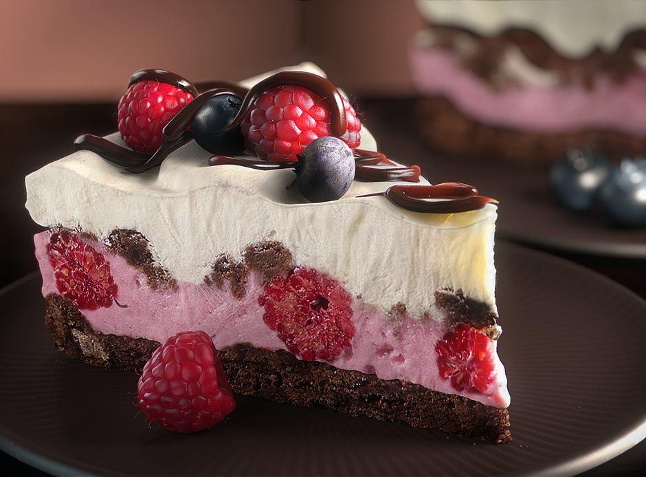3d-maya-mental-ray-zbrush-layered-raspberry-cake-still-life-rusty-currier